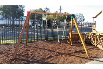 Double Swing Set - Free Standing - Oblique Corners GREEN